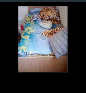 Детская кровать с матрасов