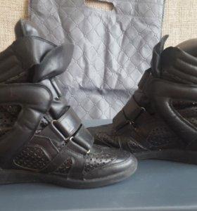 Кроссовки Isabel Marant.