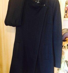 Демисезонное пальто, пр-во Италии