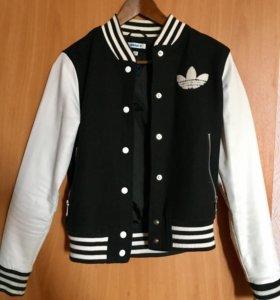 Продаю куртку - бомбер Адидас