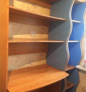 Компьютерный стол+книжный шкаф