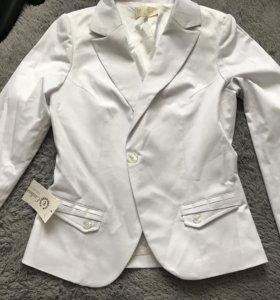 Белоснежный пиджак