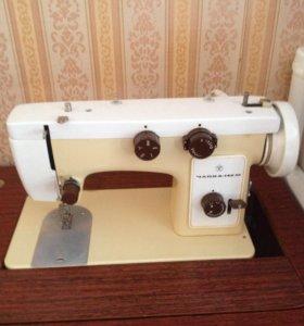 Швейная машина Чайка 142 М