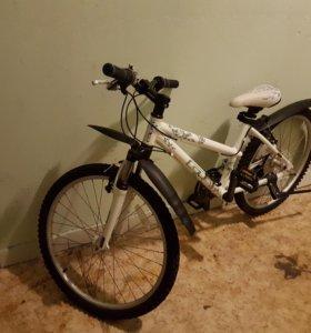 Велосипед женский Gt laguna 24