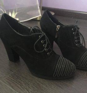 Весенние ботинки женские