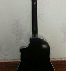 Классическая гитара,с зимним чехлом