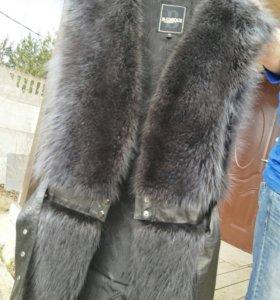 Меховой жилет из чернобурки