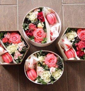Коробочки-малыши с цветами и макаронс
