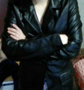 Продам новый черный кожаный пиджак