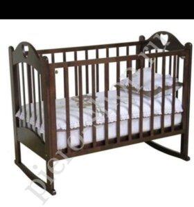 Кроватка с матрасом и комплект с балдахином