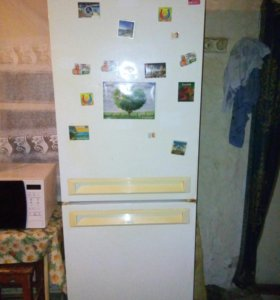 Холодильник продам.морозилка не работает.