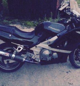 Kawasaki ZZR-400. 1998