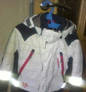 Продам куртку и шапку фирмы Дидрексон