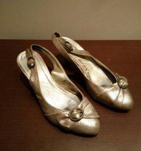 Туфли с эффектом кракелюра р.37-38