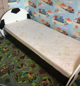 Кровать с матрасом 1900*800