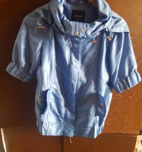 Женская куртка-ветровка