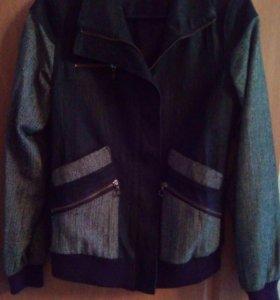 Куртка для девочки 44-46 размера джинсовая 700 руб