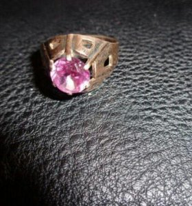 Серебряное кольцо СССРс камнем