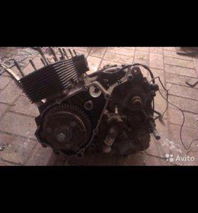 Двигатель на Suzuki GSX-R400