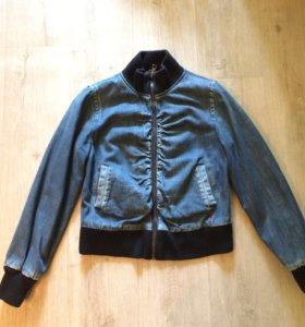 Стильная джинсовая утепленная куртка 46 размер