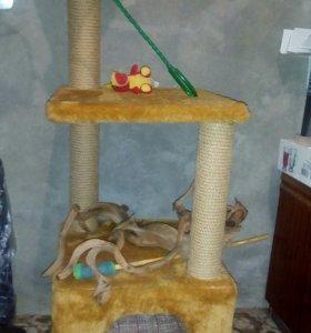 Кошачий домик,трёхъярусный не дорого,срочно.