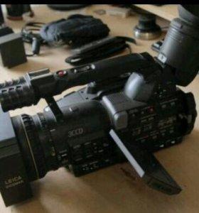 Продам видеокамеру AG-DVX100B