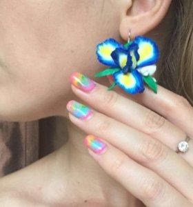 Серьги с цветком ириса ручной работы