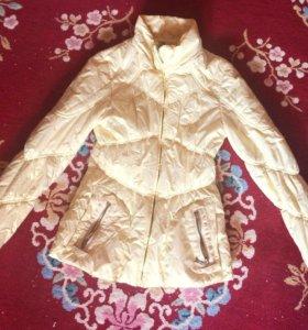Золотая куртка для девочки