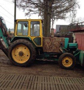 Эксковатор трактор
