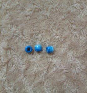 Бусины в голубых тонах