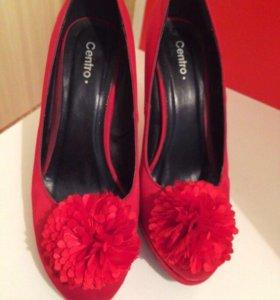 Атласные красные туфли 👠
