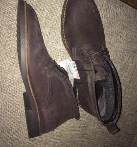Новые замшевые высокие ботинки Zara