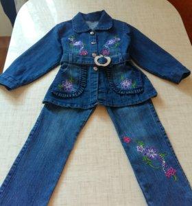 Новый джинсовый костюм 4-6 лет