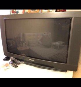 Телевизор 82см Samsung