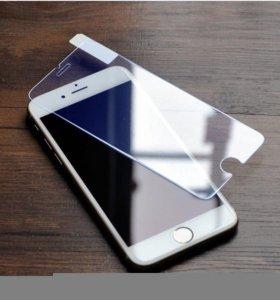 Стекло защитное матовое на IPhone 6.