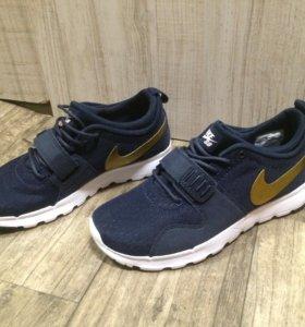 Новые кроссовки Nike SB Trainerendor