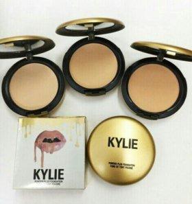 Компактная пудра Kylie