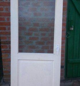 Двери межкомнатные Б/У 4 шт., нога для раковины.