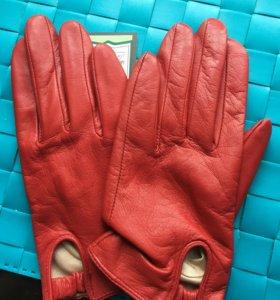 Перчатки женские, кожаные