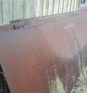Листы железо длинна 6м. Высота 1.30м.толщина 3мм.