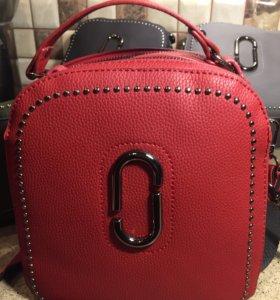 Новые. Рюкзак-сумка. Красный продан