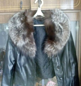 Кожаная зам куртка,натуральный мех.