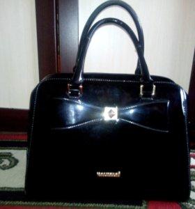 Лакированная сумка
