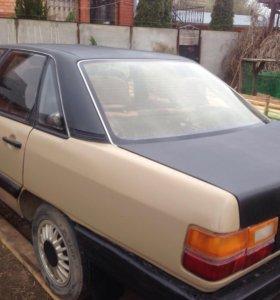 Автомобиль Ауди 100