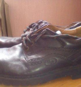 Фирменные натуральные демисезонные ботинки