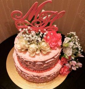 Торты свадебные с живыми/искусственными цветами