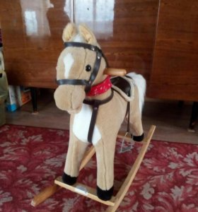 Лошадка качалка музыкальная