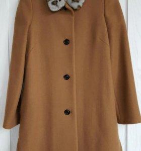 Новое пальто размер 40-42