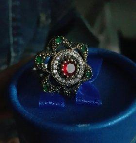 Кольцо серебро камни