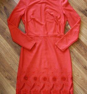 Платье трикотажное 46 размера
